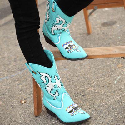 turquoise cowboy boots (via ilovetocreate)