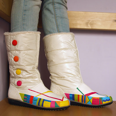 colorful patterned boots (via caratortuga)