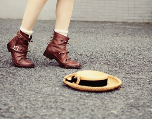 cool belts and studs decorated boots (via webblog)