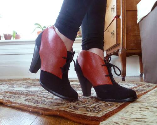 color block ankle boots (via ofancientrace)