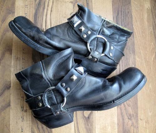 studded booties (via wecanredoit)