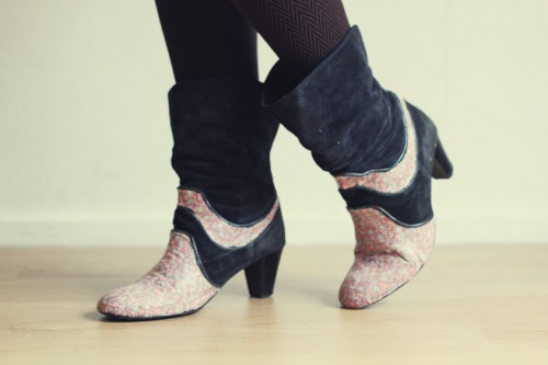 cool fabric boots restyling (via lanared)