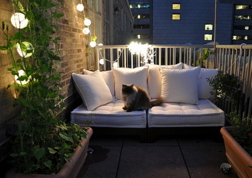 25 Cozy Balcony Decorating Ideas