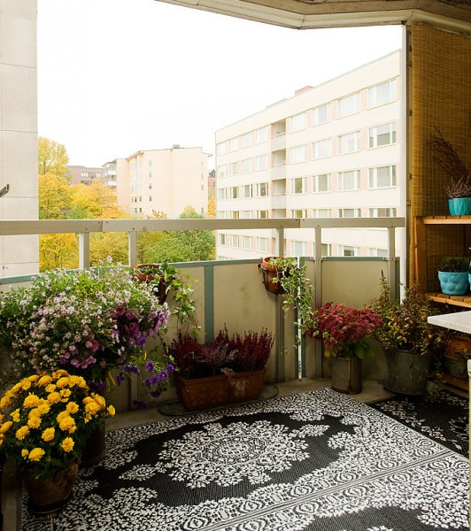 Picture of cozy balconies for Cozy balcony ideas