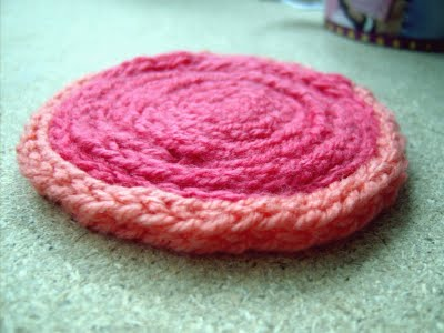 Vibrant DIY Round Knitted Coaster