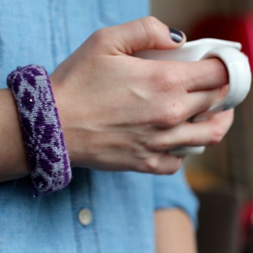Comfy And Warm DIY Winter Sock Bracelet