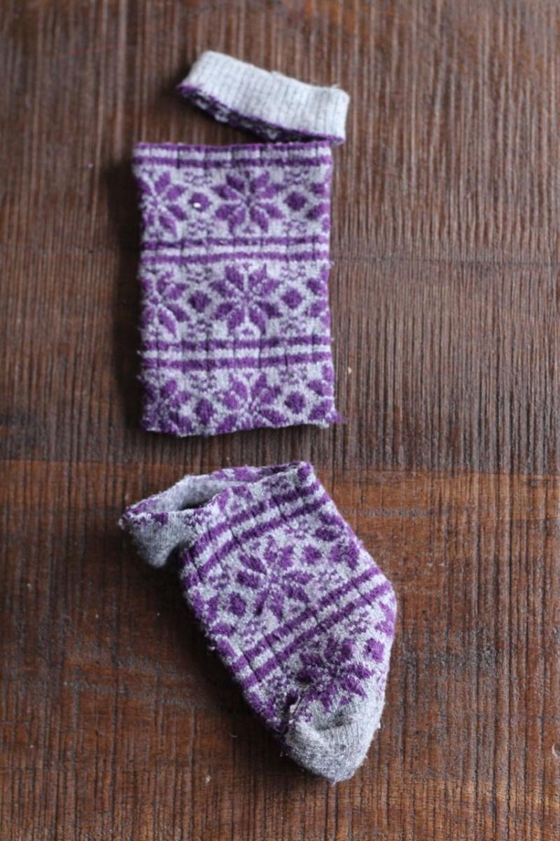 اصنعي اسوارك الجميلة جراباتك الشتوية cozy-diy-winter-sock