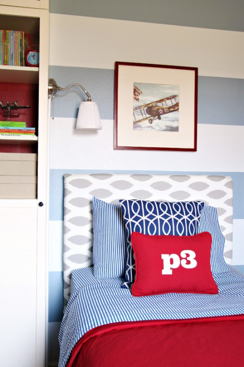 boys upholstered headboard (via iheartorganizing)