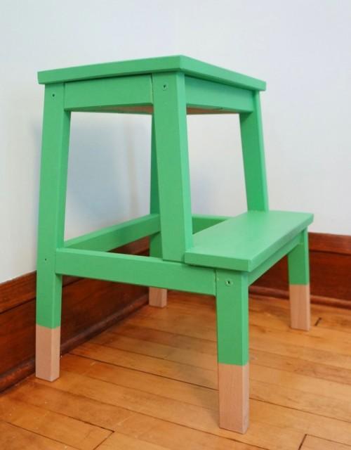 bold stool makeover (via oaklandavenueblog)