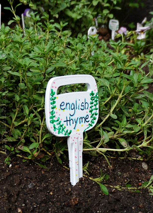 old keys plant markers (via craftsbyamanda)