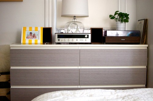 stylish bedroom hack (via gohausgo)