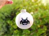 fast space invaders ornaments