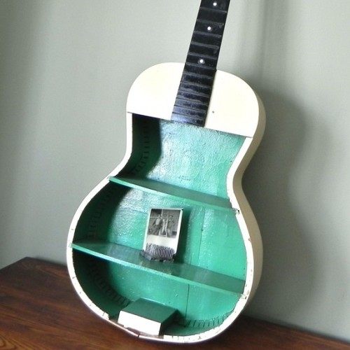 Creative DIY Shelving Of An Old Guitar
