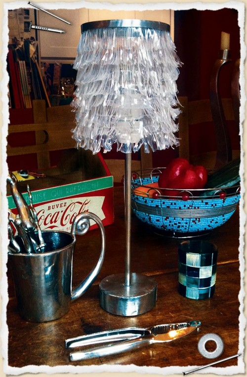DIY coke bottle lamp (via whatimade)