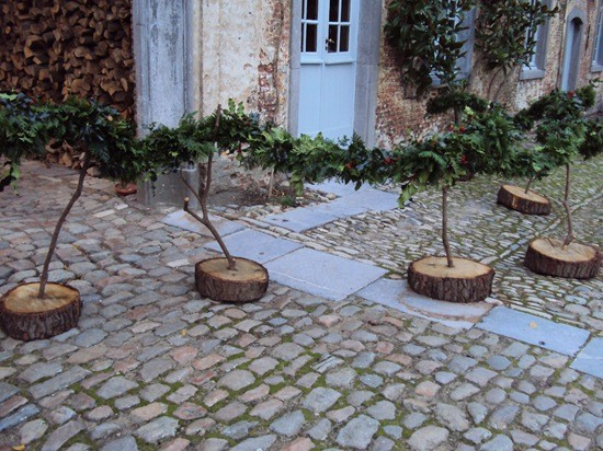 Favorite Outdoor Tree Stump Decorating Ideas 550 x 412 · 98 kB · jpeg