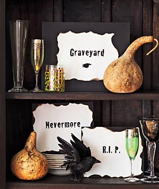 Creepy Sings as Easy Halloween Decorations