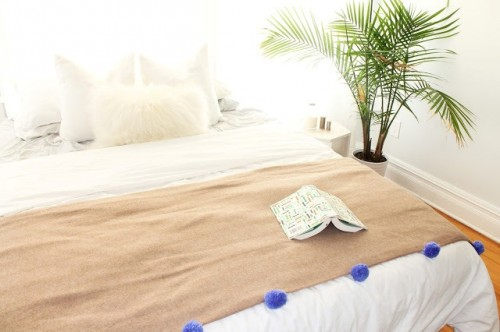 Cute And Cozy DIY Pompom Throw To Feel Comfy