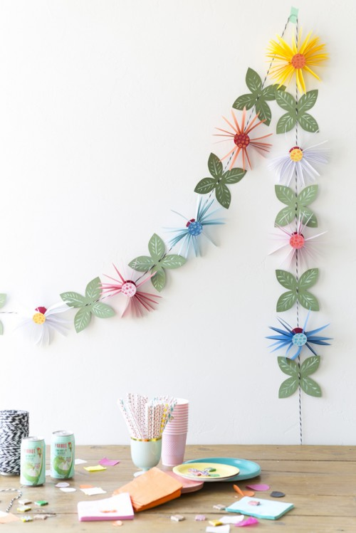 Cute And Easy DIY Paper Flower Garland