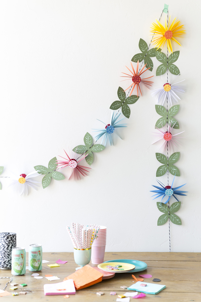 Picture Of cute and easy diy paper flower garland  2