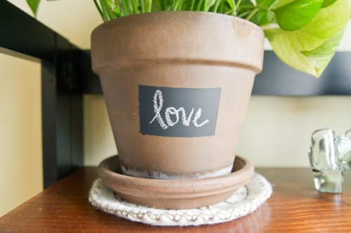 simple chalkboard planter (via eventsbysocialgraces)