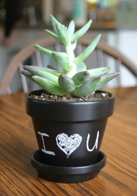 chalkboard succulent planters (via makebakeandlove)