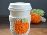 cute-diy-crochet-pumpkin-coffee-cup-cozy-1