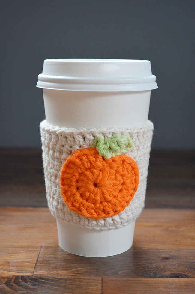 Picture Of cute diy crochet pumpkin coffee cup cozy  3
