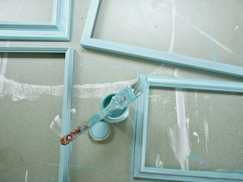 Picture Of cute diy ornament frames to bring a festive mood  3