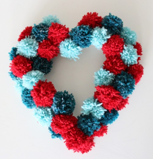 Cute DIY Pompoms Wreath For Valentine's Day