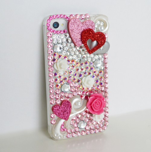 heart phone case (via shelterness)