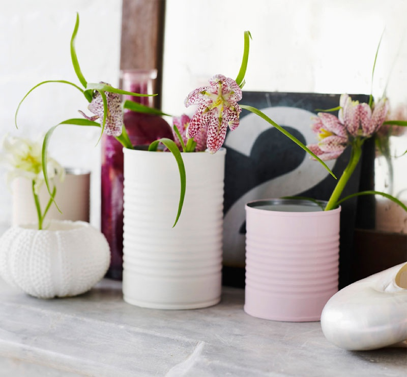 Cute Diy Vases Of Painted Tin Cans