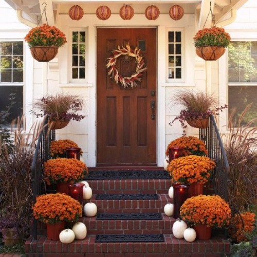 Corn wreath is a great choice for the whole fall season.