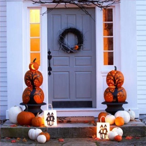 Layered pumpkins are quite popular for traditional fall decorations but they work great for Halloween too.