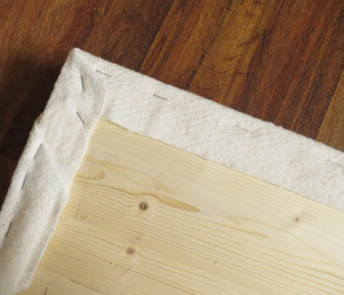 Cute Yet Simple DIY Uphostered Bench