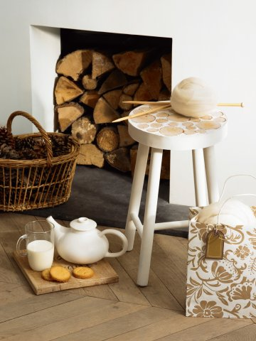 How To Decorate A Stool With Wood Slices