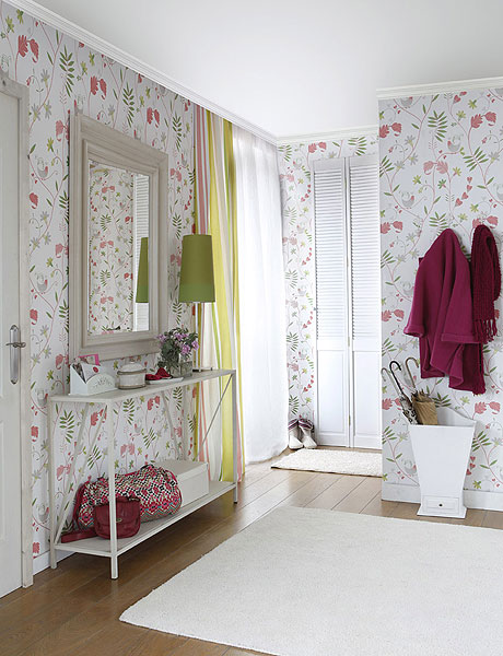 Decorating Hallway in French Romantic Style