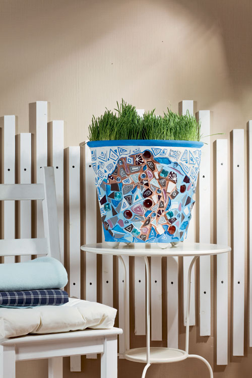 Decorating Planter With Mosaics