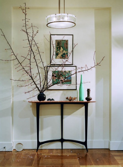 47 console table decor ideas shelterness for Console table decor ideas