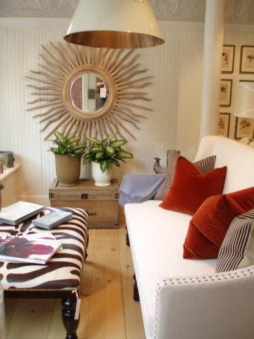 21 decorating ideas of using sunburst mirrors shelterness for Home decorating mirrors