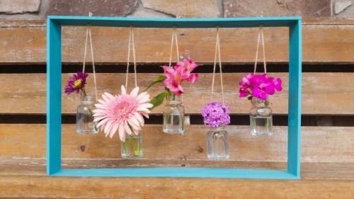 Decorative Diy Hanging Vases In A Frame Shelterness