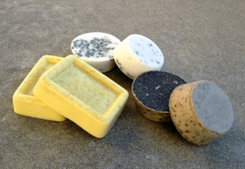 diy glycerin soap (via mybakingaddiction)