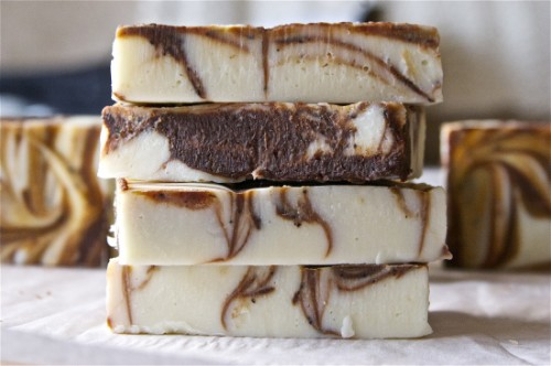 peppermint mocha soap (via offbeatandinspired)