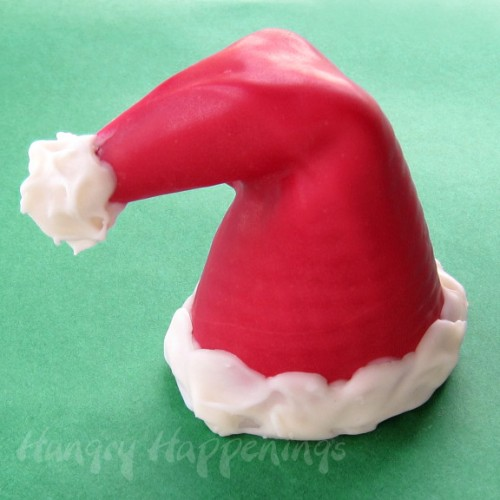 sugar cone Santa hats (via hungryhappenings)