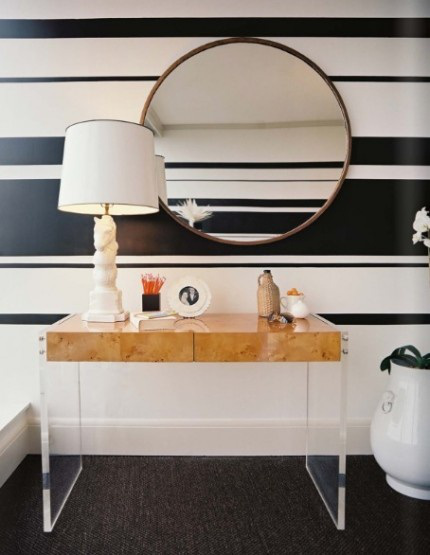 black and white striped wall (via housetohomeblog)