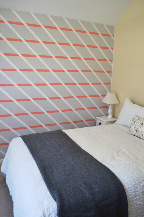 diagonal stripes accent wall (via dreamalittlebigger)