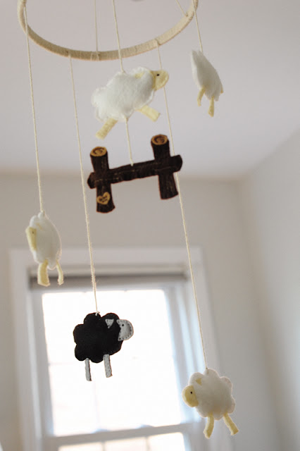 14 diy animal and bird inspired baby mobiles shelterness