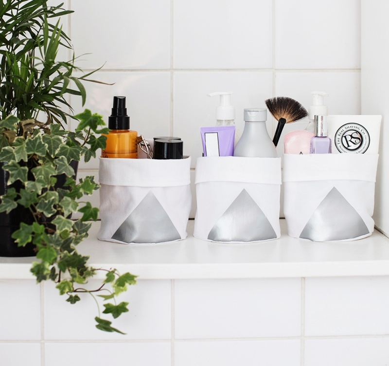 Picture Of diy bathroom storage bags from fabric  1