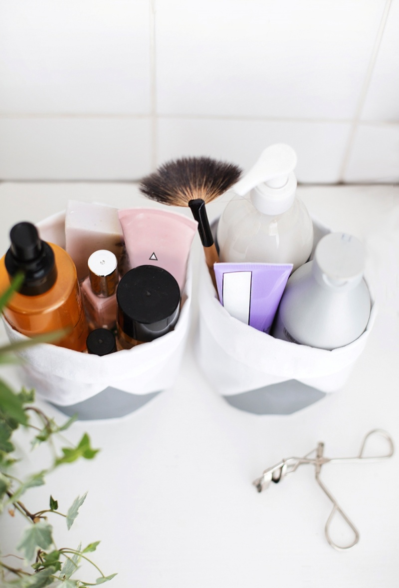 Picture Of diy bathroom storage bags from fabric  2