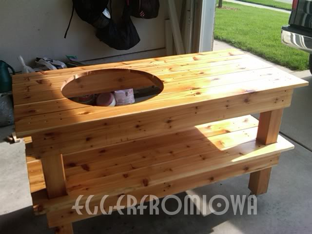 picture of cedar big green egg table. Black Bedroom Furniture Sets. Home Design Ideas