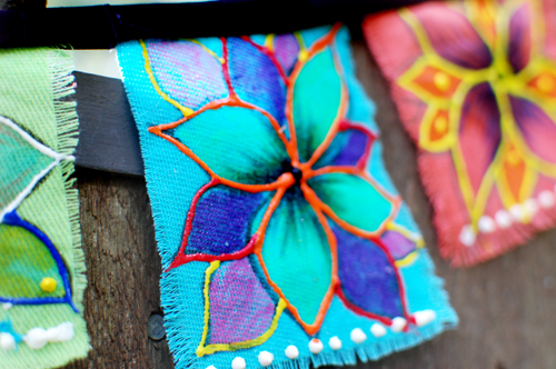 boho flags (via ilovetocreateblog)